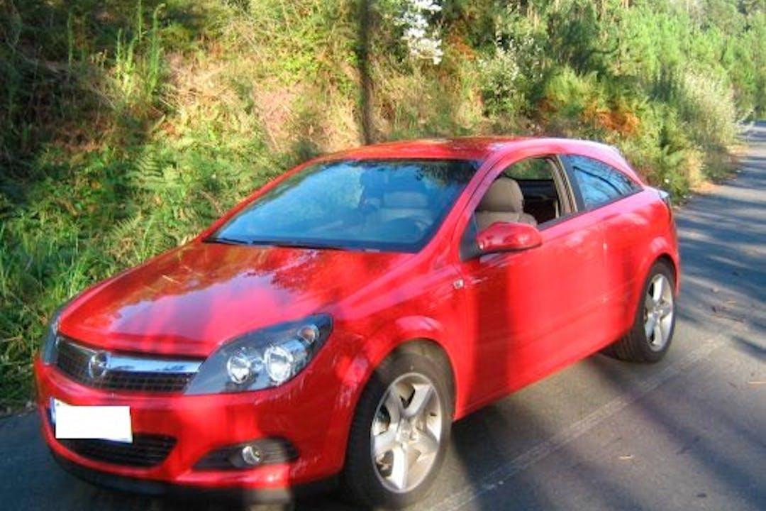 Alquiler barato de Opel Astra cerca de  Granada.