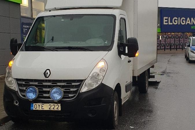 Billig biluthyrning av Renault Master med Vinterdäck i närheten av 192 53 Edsberg.