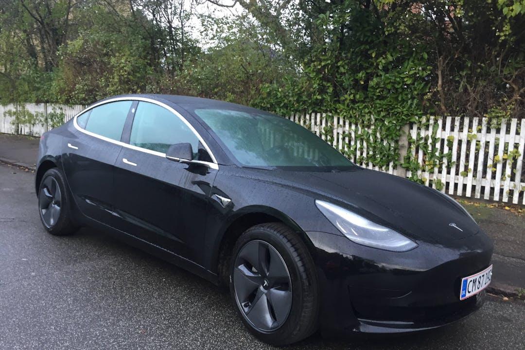 Billig billeje af Tesla Model 3 nær 2300 København.