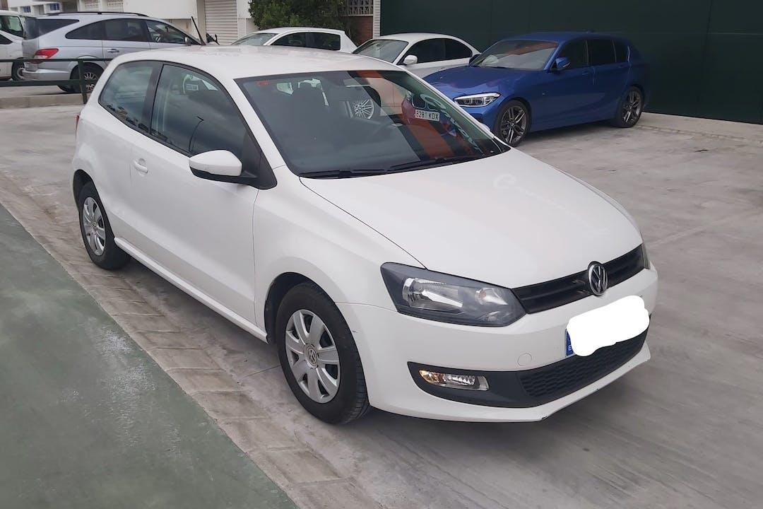 Alquiler barato de Volkswagen Polo Advance 1.2 60 cerca de 46013 València.