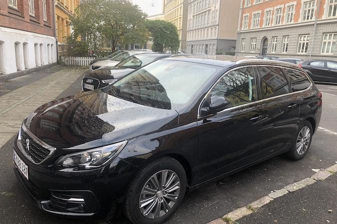 Billig billeje af Peugeot 308 nær  Frederiksberg.