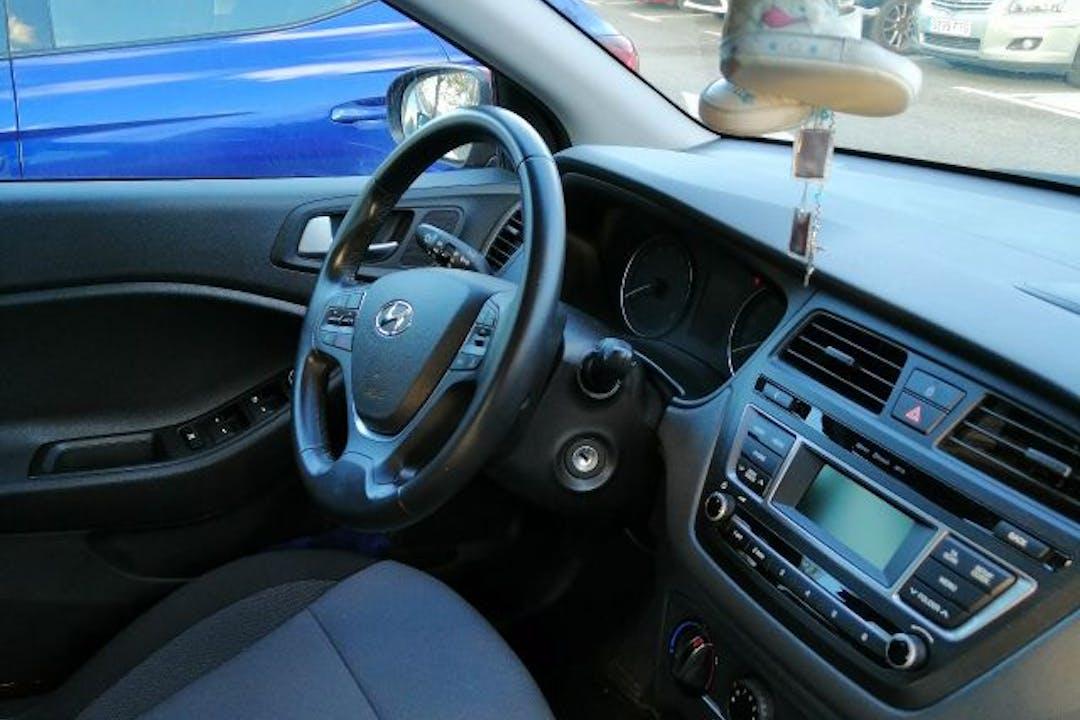 Alquiler barato de Hyundai I20 1.2 Bd Essence cerca de  Barakaldo.