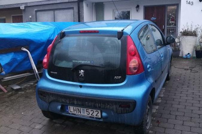 Billig biluthyrning av Peugeot 107 i närheten av 165 52 Hässelby-Vällingby.