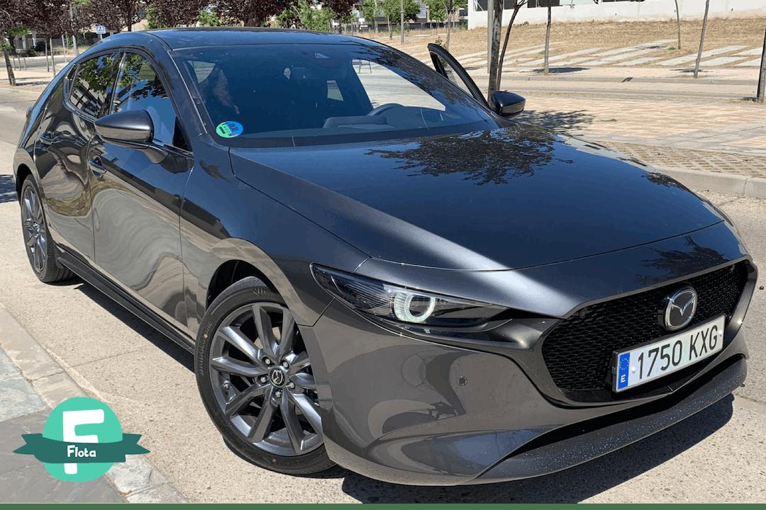 Alquiler barato de Mazda Mazda3 2.0 120 Luxury con equipamiento GPS cerca de 28014 Madrid.