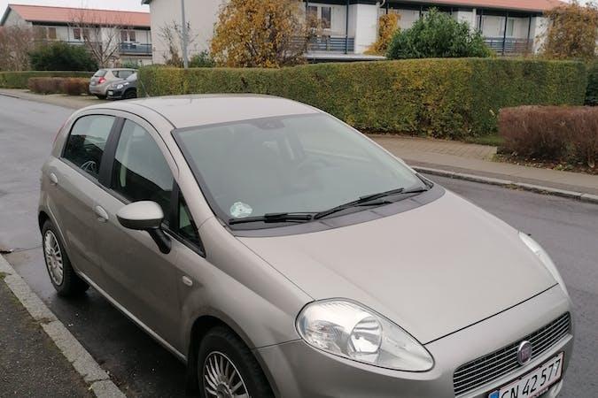 Billig billeje af Fiat Grande Punto nær 2650 Hvidovre.