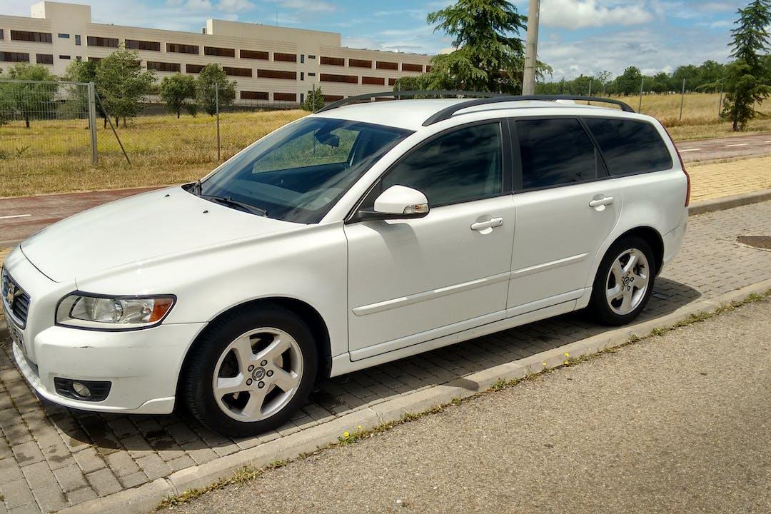 Alquiler barato de Volvo V50 D3 Business Edition cerca de 28011 Madrid.