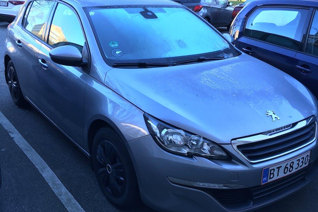 Billig billeje af Peugeot 308 med Isofix beslag nær  .