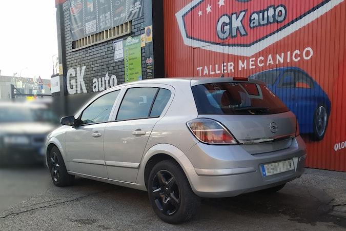 Alquiler barato de Opel Astra 1.9 Cdti Cosmo 120 cerca de 28005 Madrid.