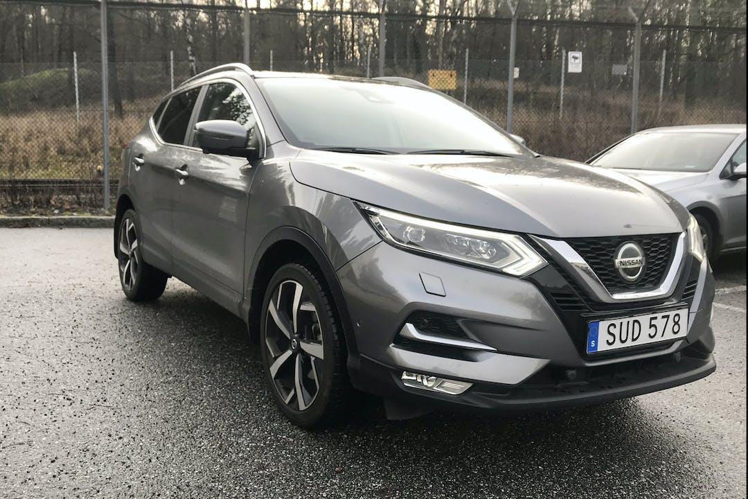 Billig biluthyrning av Nissan Qashqai med GPS i närheten av 129 49 Hägersten-Liljeholmen.