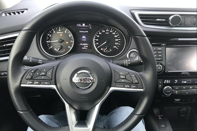 Billig biluthyrning av Nissan Qashqai i närheten av 129 49 Hägersten-Liljeholmen.
