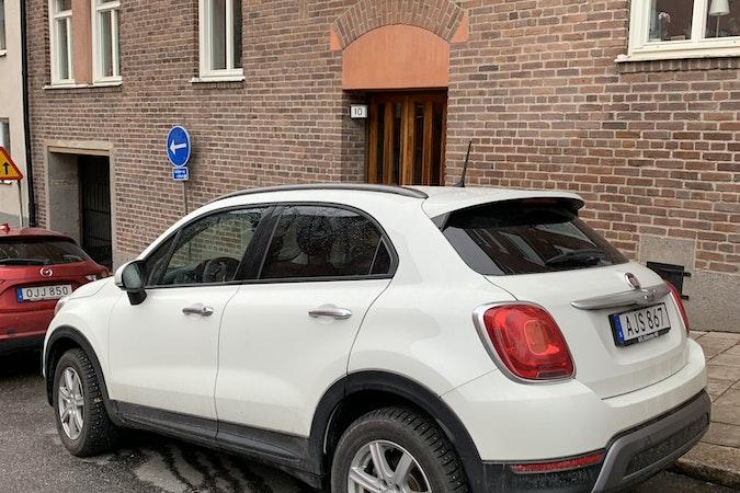 Billig biluthyrning av Fiat 500X med Vinterdäck i närheten av  Södermalm.