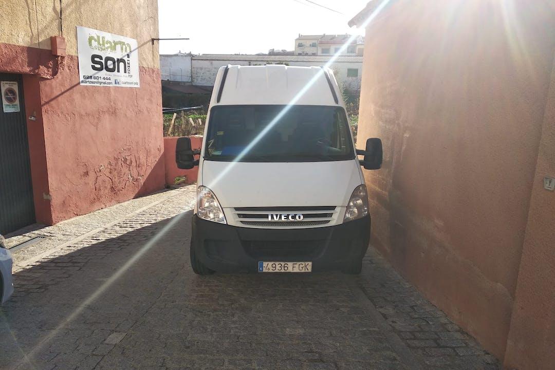 Alquiler barato de Iveco Daily cerca de 10004 Cáceres.