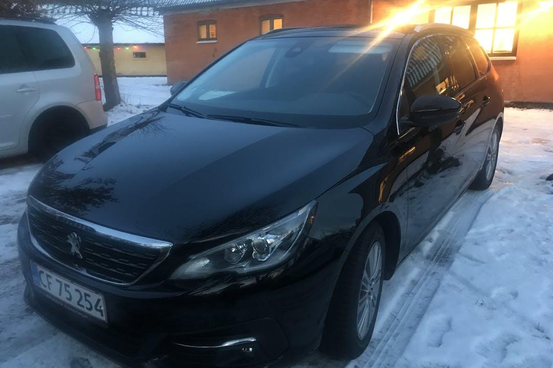 Billig billeje af Peugeot 308 nær 3520 Farum.