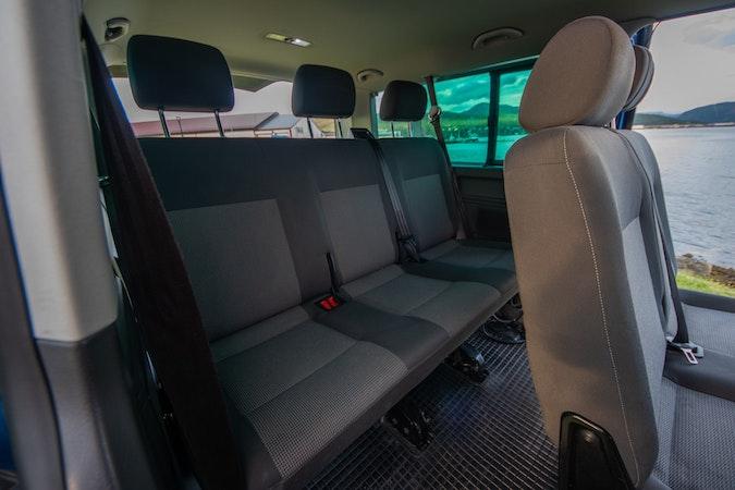 Billig leie av Volkswagen Caravelle i nærheten av 9014 .