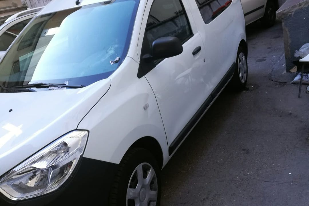 Alquiler barato de Dacia Dokker 1.5 Dci 75 Ambiance cerca de 28047 Madrid.