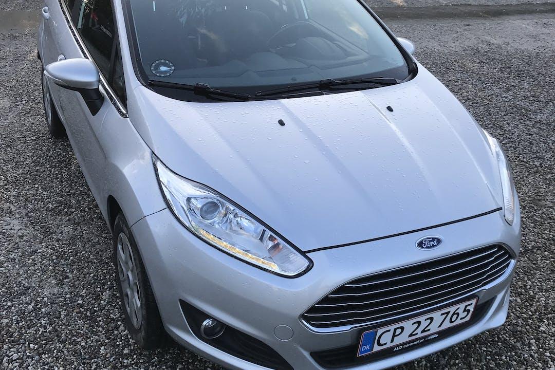 Billig billeje af Ford Fiesta nær 2300 København.