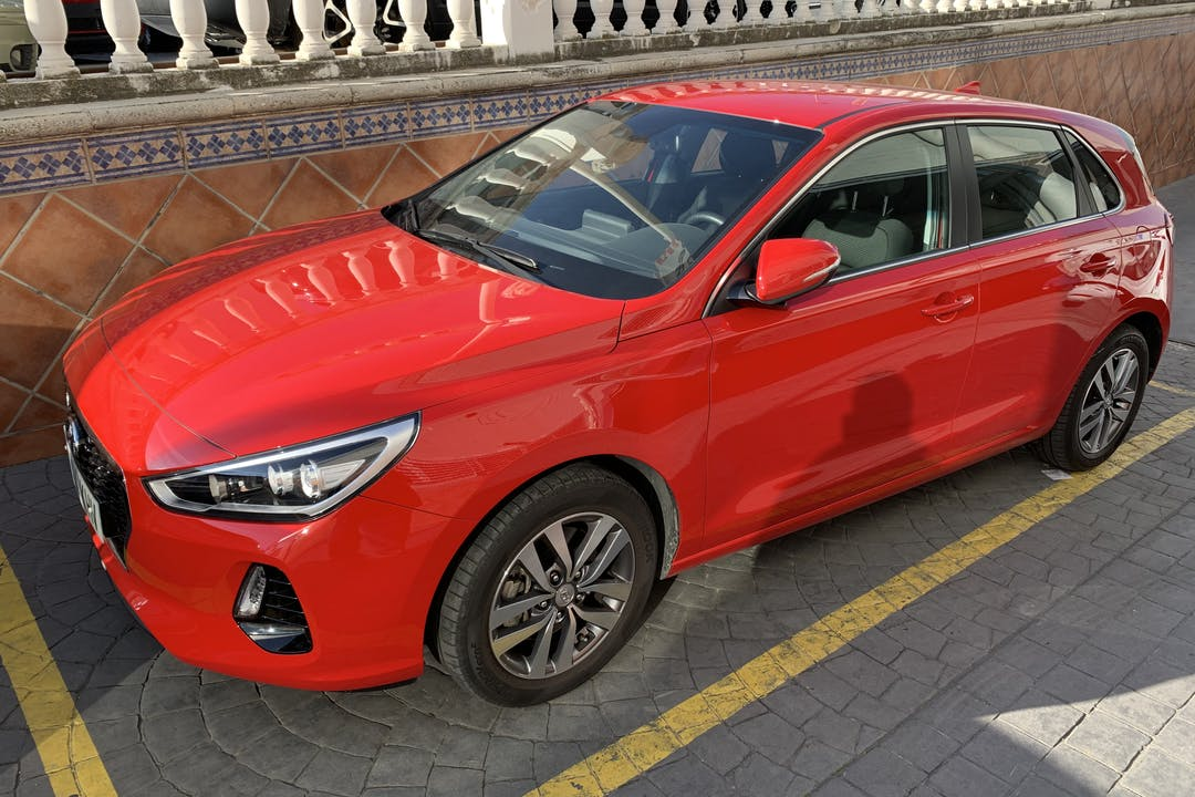Alquiler barato de Hyundai I30 1.0 Tgdi 120 Klass cerca de 18002 Granada.