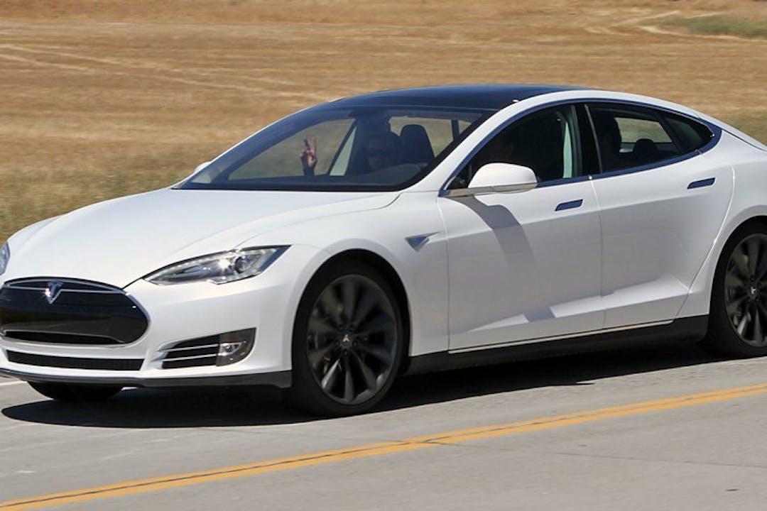 Billig billeje af Tesla Model S nær 8210 Aarhus.