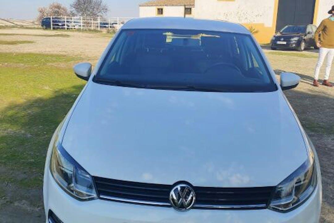 Alquiler barato de Volkswagen Polo cerca de 11380 Tarifa.