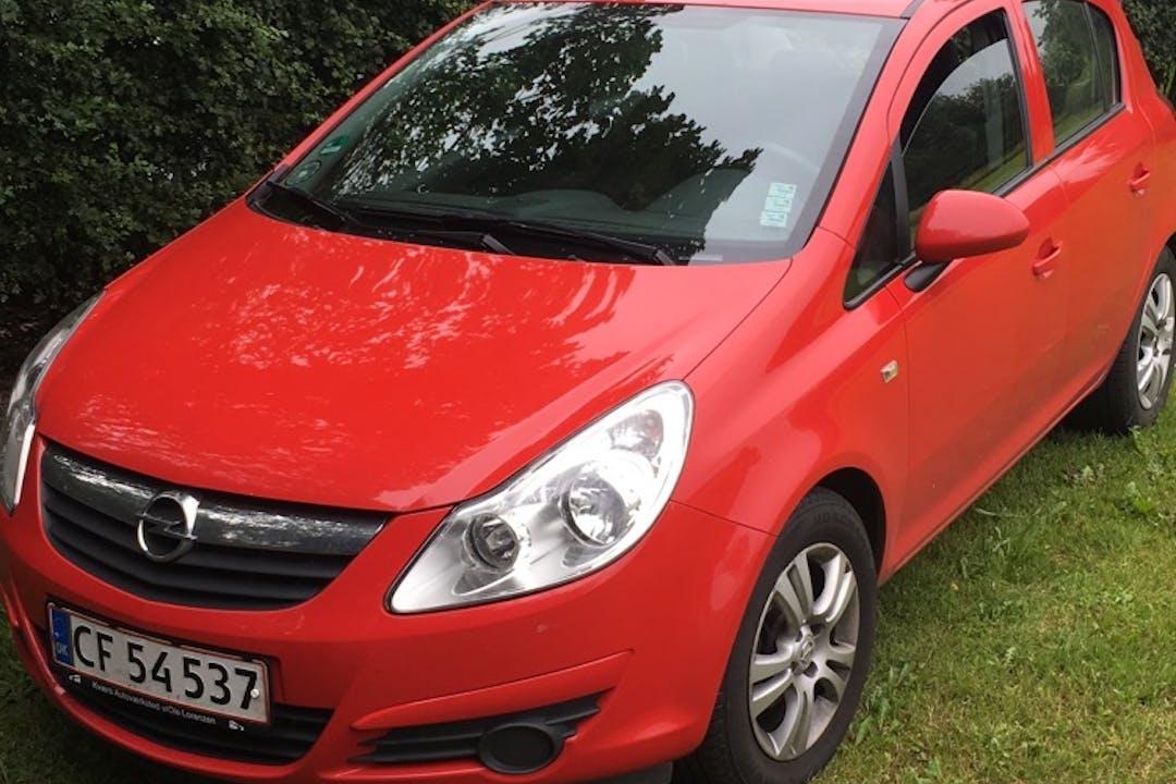 Billig billeje af Opel Corsa nær 2400 København.