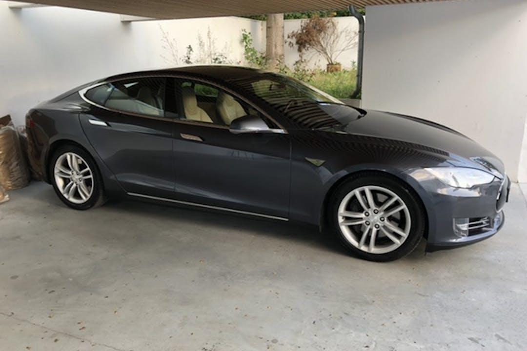 Billig billeje af Tesla Model S nær 2960 Rungsted Kyst.