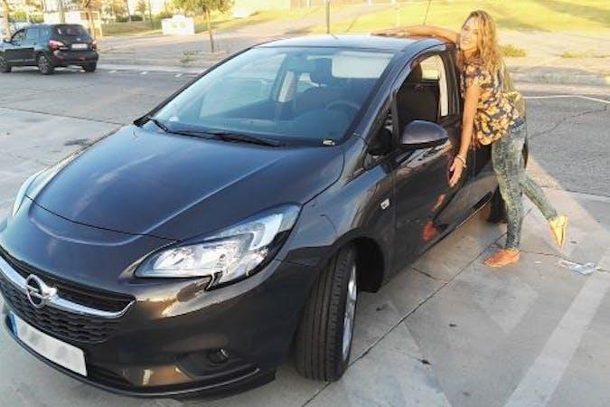 Alquiler barato de Opel Corsa 1.4 90 Excellence con equipamiento GPS cerca de 29602 Marbella.