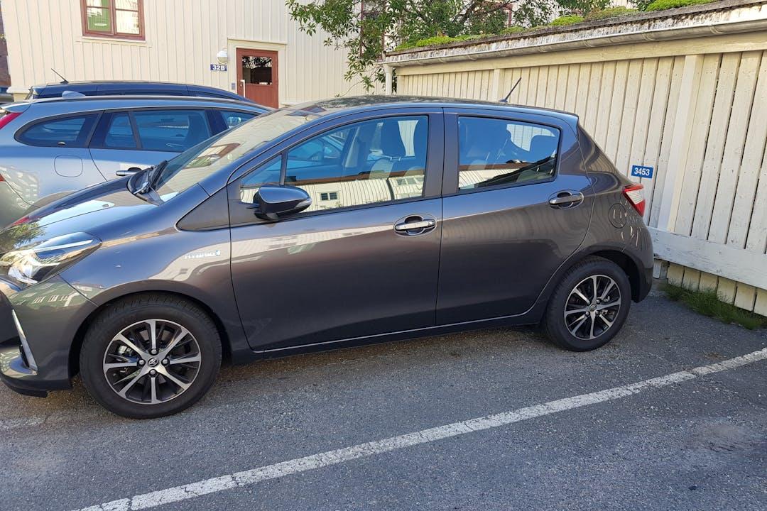 Billig biluthyrning av Toyota Yaris med GPS i närheten av  Kungsladugård.