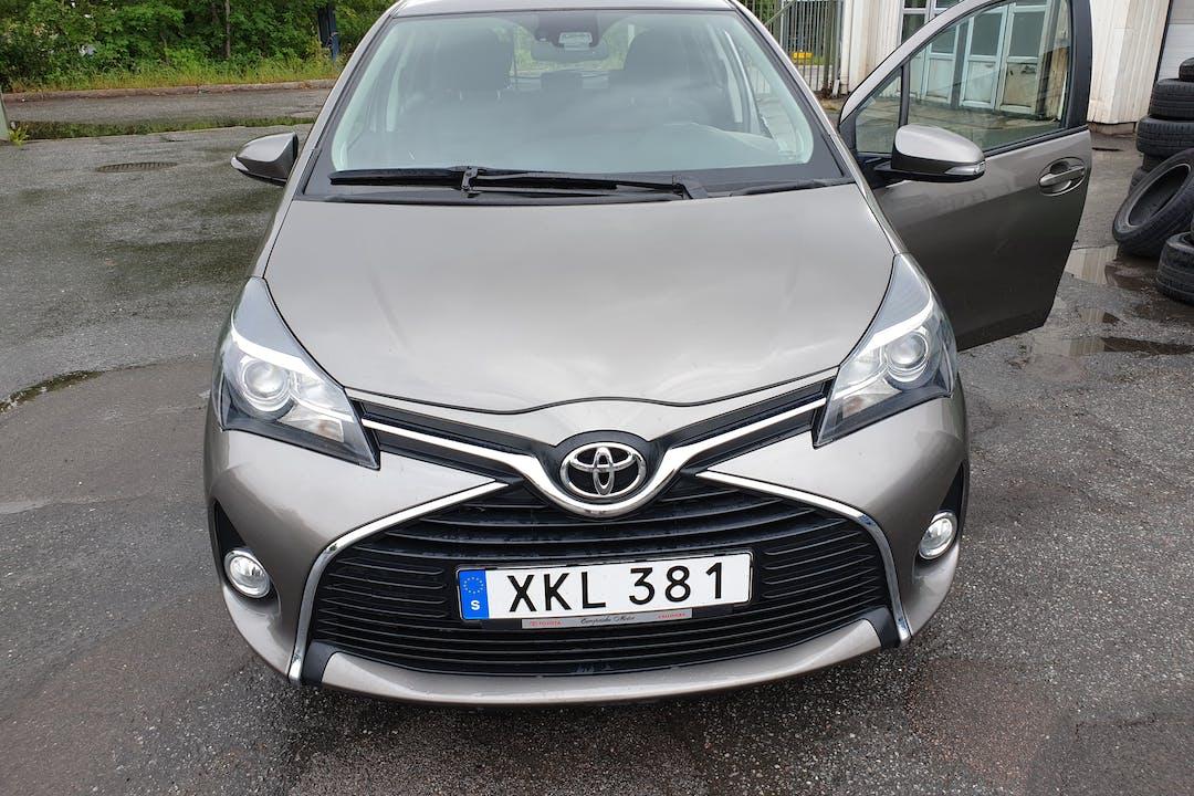 Billig biluthyrning av Toyota Yaris i närheten av 168 52 Blackeberg.