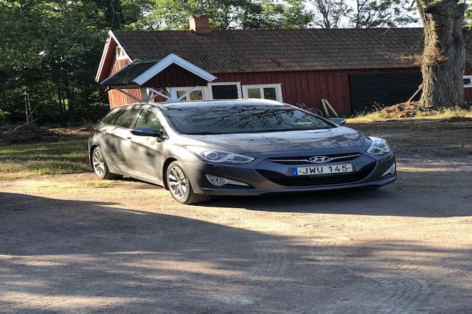 Billig biluthyrning av Hyundai i40 med Barnsäte i närheten av 602 33 Gamla Staden.