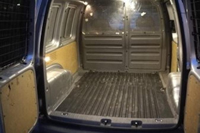 Billig biluthyrning av Volkswagen Caddy med Aircondition i närheten av 168 48 Blackeberg.