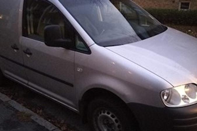 Billig biluthyrning av Volkswagen Caddy med Dragkrok i närheten av 168 48 Blackeberg.