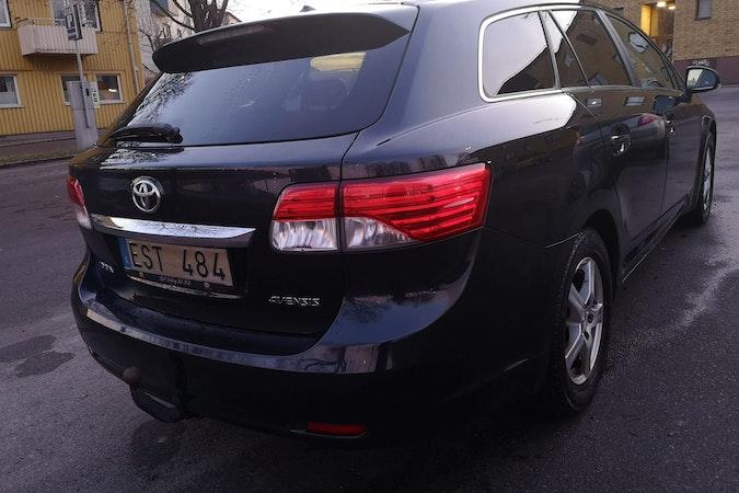 Billig biluthyrning av Toyota Avensis med Aircondition i närheten av  .