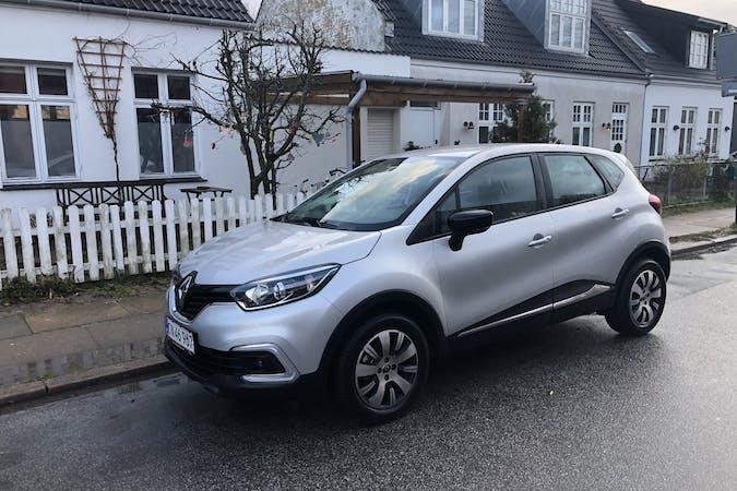 Billig billeje af Renault Captur med GPS nær 2500 København.