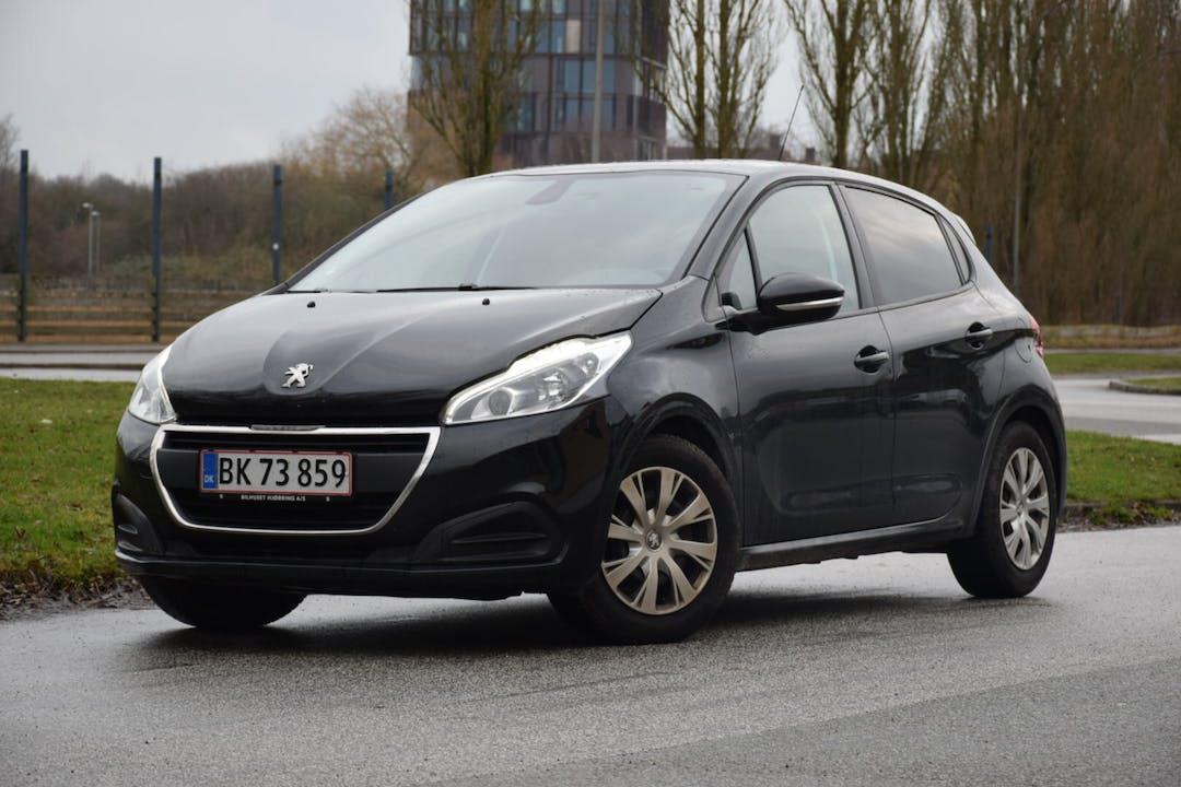 Billig billeje af Peugeot 208 1,6 BlueHDi nær 8000 Aarhus.