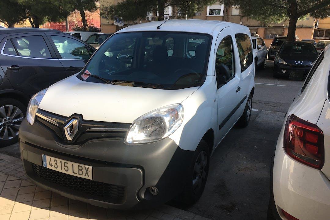 Alquiler barato de Renault Kangoo cerca de 28037 Madrid.