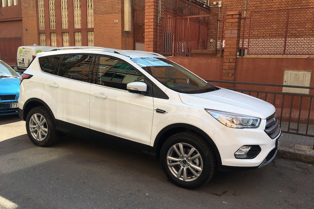 Alquiler barato de Ford Kuga 1.5 Ecoboost120 Trend 2wd cerca de 08922 Santa Coloma de Gramenet.