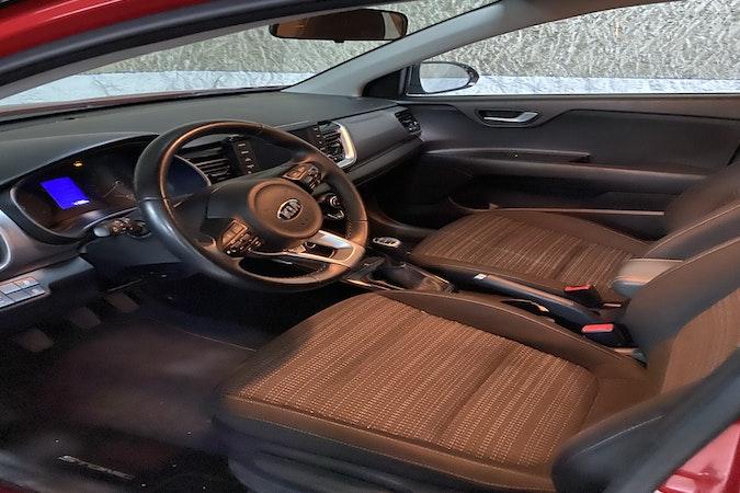 Alquiler barato de Kia Stonic 1.0 T-Gdi Eco-D Drive cerca de 08022 Barcelona.
