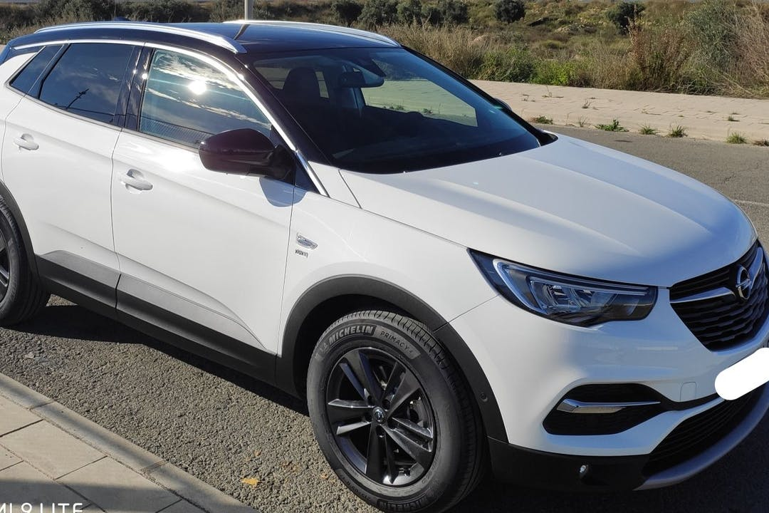 Alquiler barato de Opel Grandland X 1.5cdti 130 S&S Excellenc cerca de  Alacant.