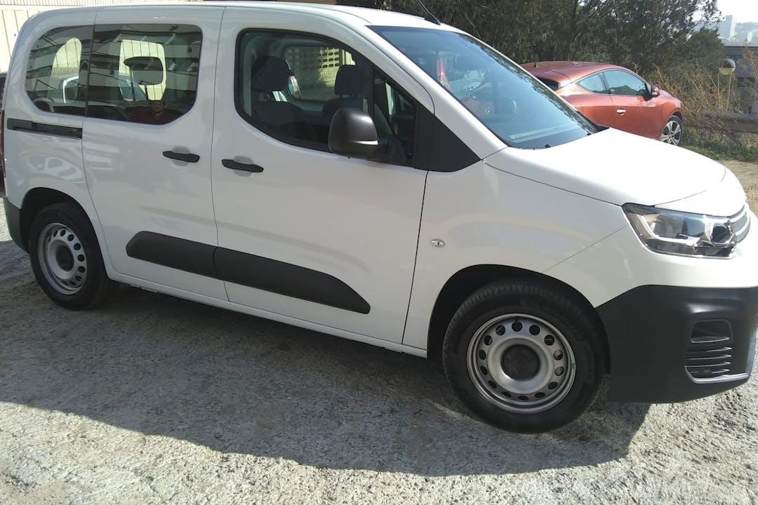 Alquiler barato de Citroën Berlingo cerca de  Barcelona.