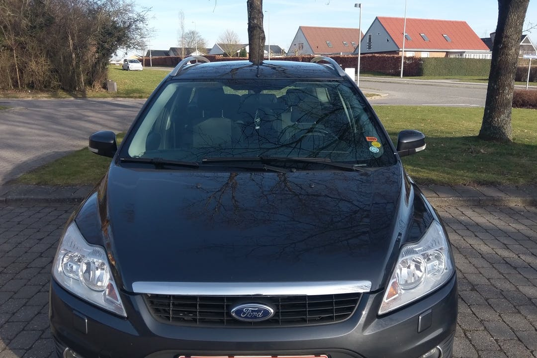 Billig billeje af Ford Focus nær 8382 Hinnerup.