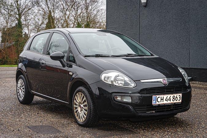 Billig billeje af Fiat Punto Evo 1.4 nær 2720 København.
