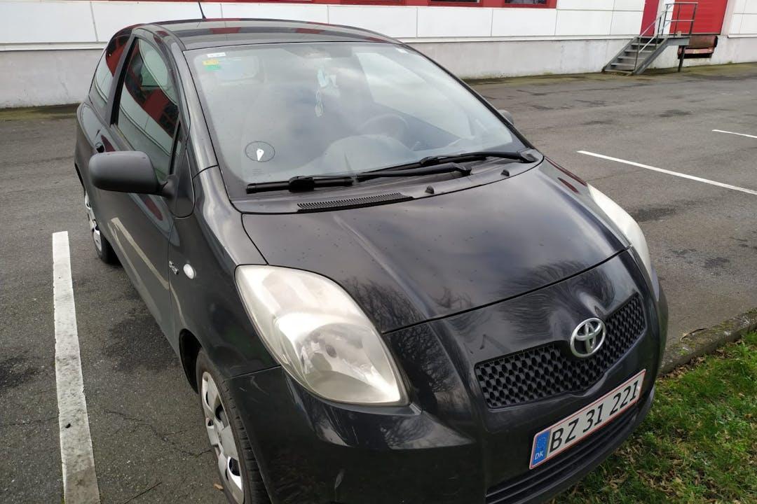 Billig billeje af Toyota Yaris nær 8000 Aarhus.