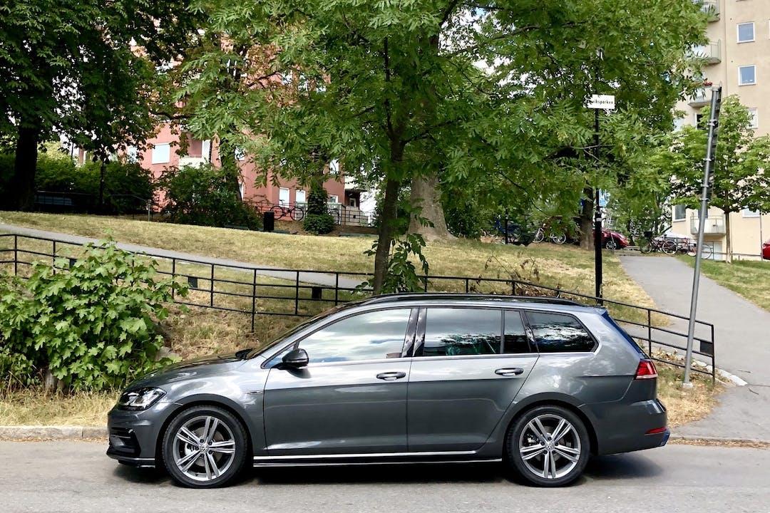 Billig biluthyrning av Volkswagen Golf med Isofix i närheten av 116 44 Södermalm.