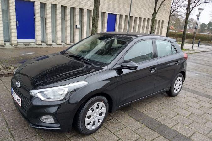 Billig billeje af Hyundai i20 med Bluetooth nær 2860 Søborg.