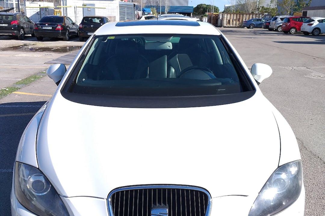 Alquiler barato de Seat Leon Sport 1.8 Tsi cerca de 08024 Barcelona.