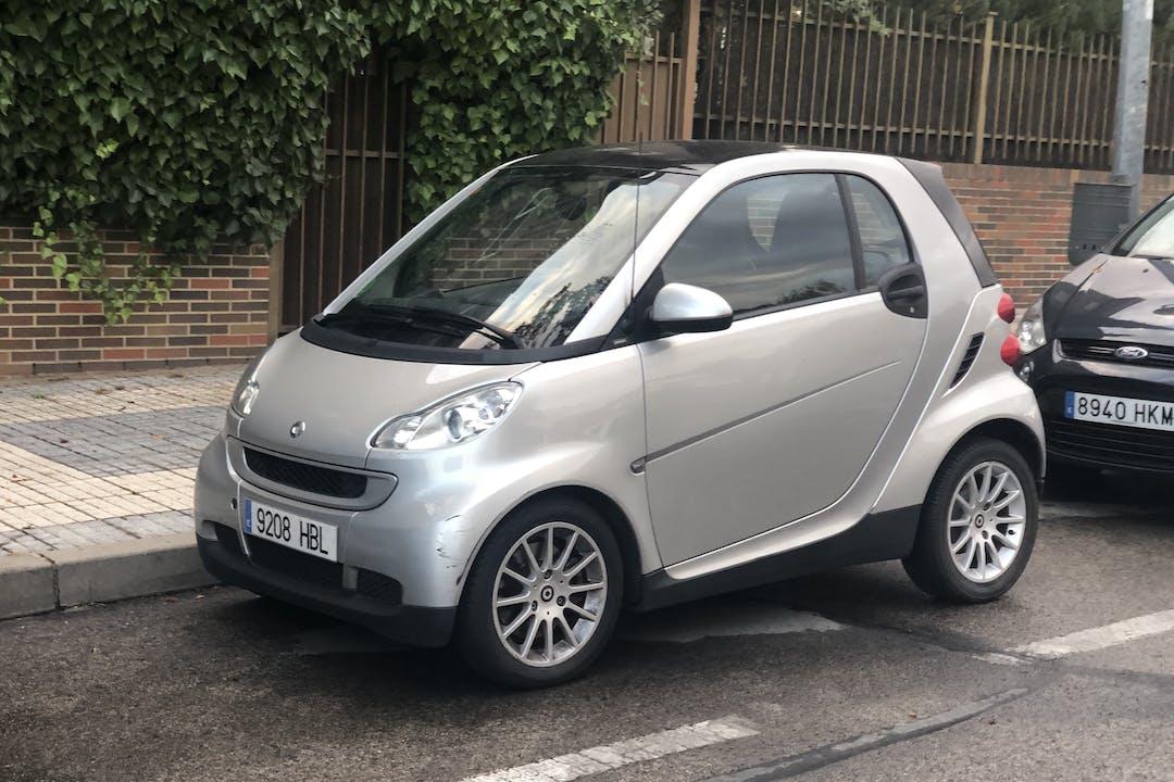 Alquiler barato de Smart Fortwo Coupe 52Edition Mhd 52 cerca de 28222 Majadahonda.