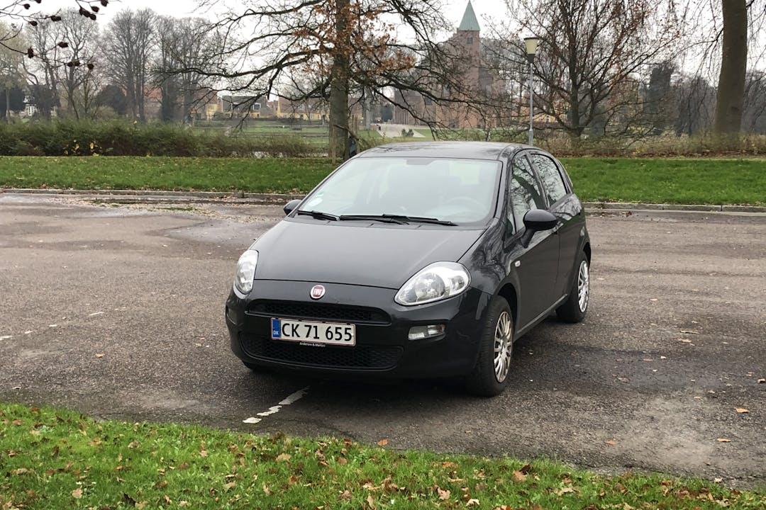 Billig billeje af Fiat Punto nær 2200 København.