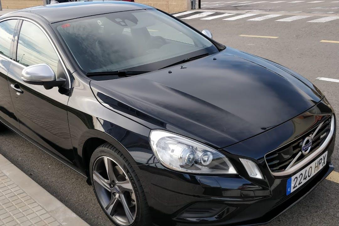 Alquiler barato de Volvo S60 2.0 D3 Kinetic con equipamiento Bluetooth cerca de 43004 Tarragona.