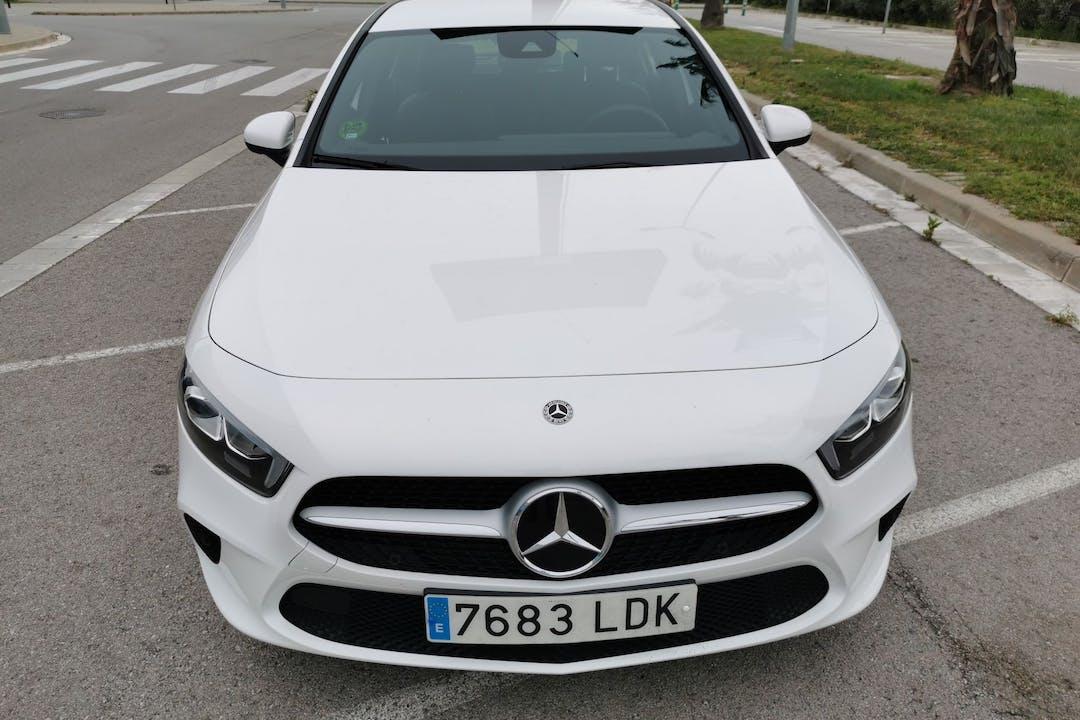 Alquiler barato de Mercedes A (176) 200 D con equipamiento GPS cerca de  Barcelona.