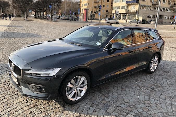 Billig biluthyrning av Volvo V60  i närheten av 112 31 Kungsholmen.